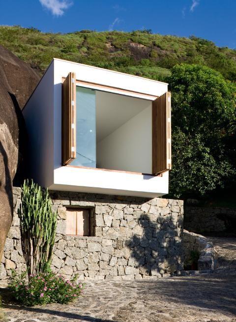 Wohnbox:  Auf ein verfallenes Steinhaus in Brasilien haben die Architekten...