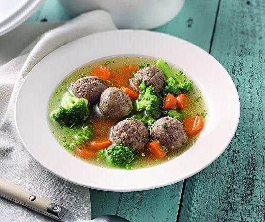 Egy finom Zöldségleves májgombóccal ebédre vagy vacsorára? Zöldségleves májgombóccal Receptek a Mindmegette.hu Recept gyűjteményében!