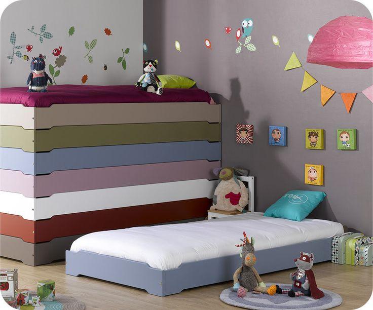 les 25 meilleures id es de la cat gorie lit montessori sur. Black Bedroom Furniture Sets. Home Design Ideas