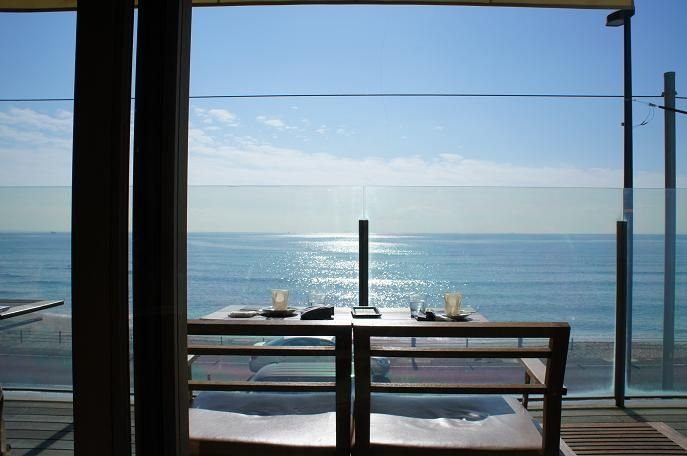 都心から1時間で南国リゾート?湘南の海が見える絶景カフェ10選 4枚目の画像
