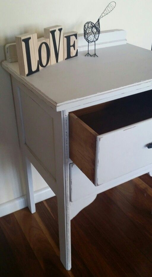 Shabby Chic distressed hall table