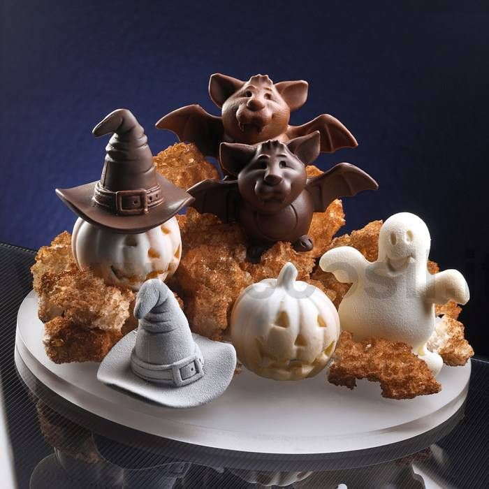 Chocolate for Halloween made by moulds for chocolate decosil. www.decosil.eu