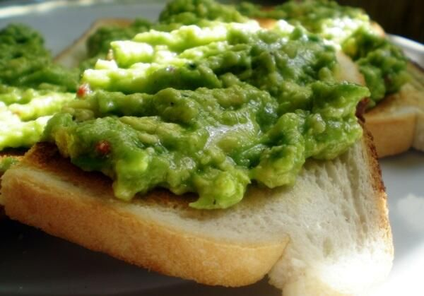 Avos on toast for a true South African brekkie