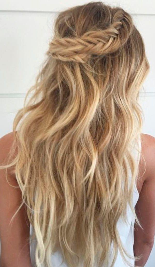 Peinado de trenza media corona