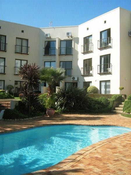GORDON'S BAY - Van Riebeeck 11, self-catering 4-Sleeper apartment in Gordon's Bay. Walking distance to beach. #where2stay