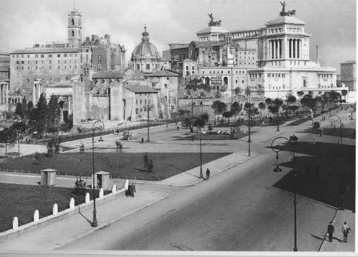 """ROMA appena l'altroieri... cose """"sparite"""" da poco... -V ia dell'Impero (ora del Fori Imperiali)"""
