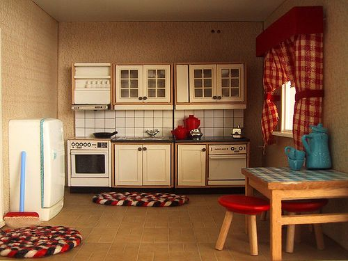 Vintage Lisa dolls house kitchen | by The Shopping Sherpa