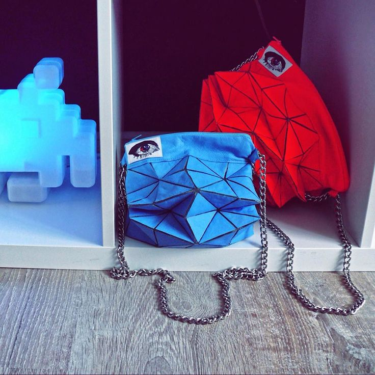 Геометрические сумочки #eyenastya !!! Заказать: eyeshapka@gmail.com  #eyemetricbag #leather #neon #bag #purse #design #geometric #eye #accessories #fashion #кожа #сумочка #сумка #глаз #неоновый #аксессуары #дизайн by eyenastya