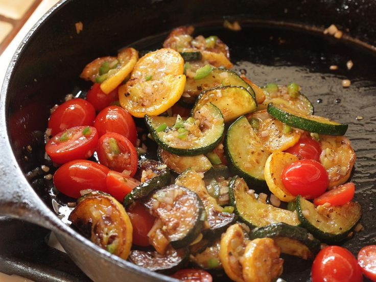 Easy Zucchini Summer Squash & Tomato Sauté