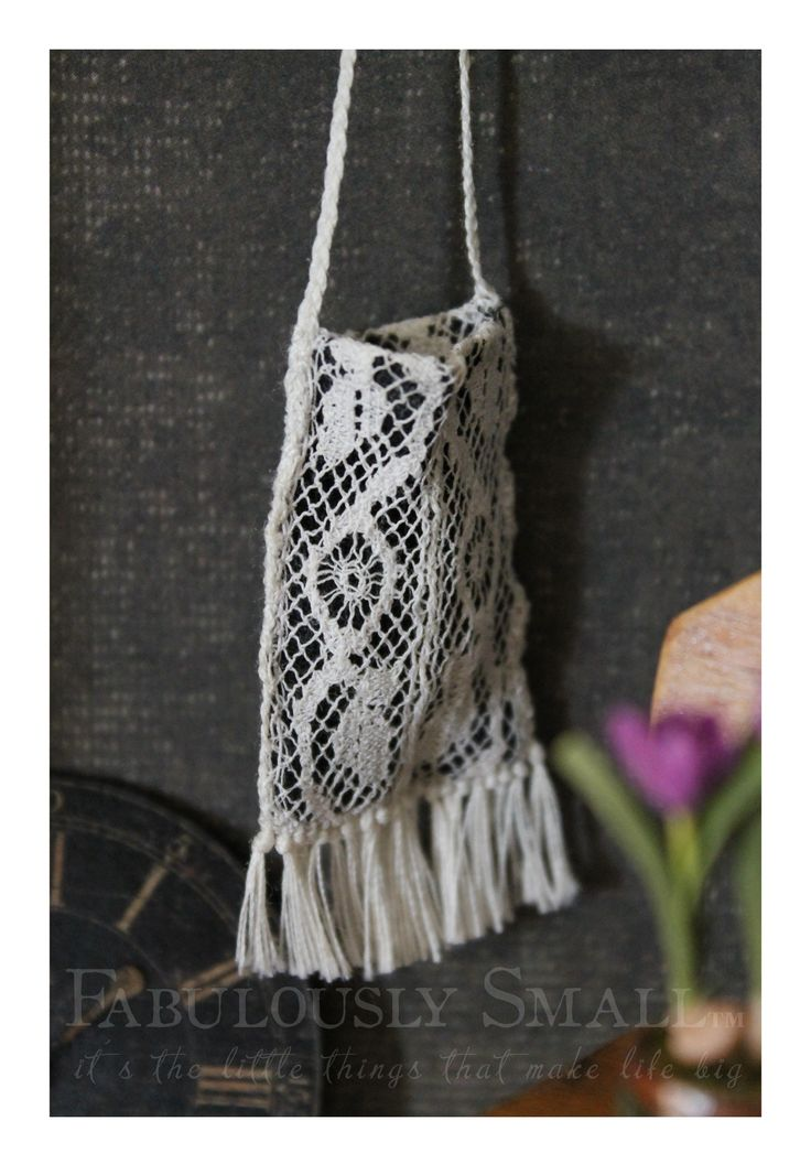 1:12 scale 'crocheted' bag (made with lace)