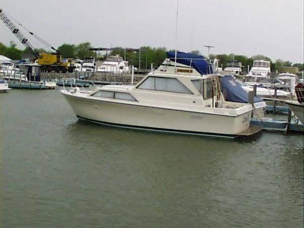 1972 Pacemaker 32 Sedan Bridge Power Boat For Sale - Call Paul at 419-797-4775