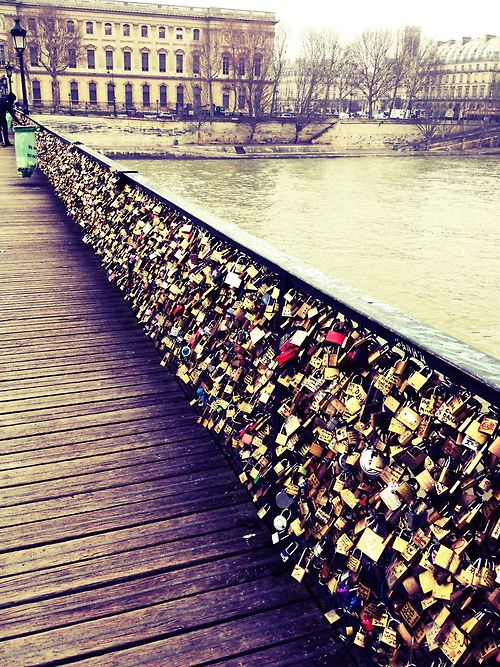 Pont des arts paris happy places pinterest for Love lock bridge in paris