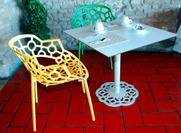 Segis Polo chairs and tables