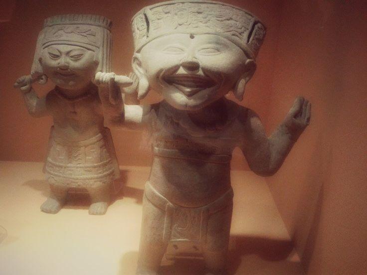 Museo de Bellas Artes  Ellos son felices ahí :3