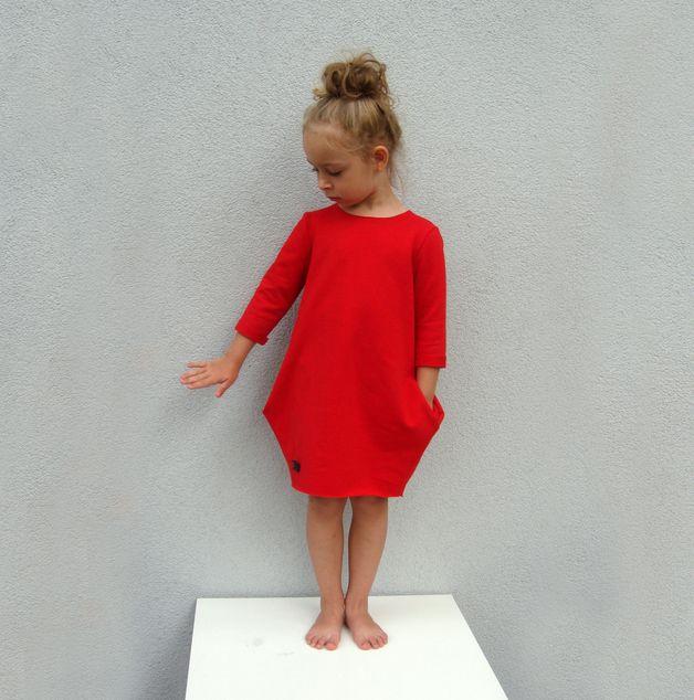 Bequeme Kleidung Sweatshirt für kühlere Sommertage und-abende. Um den Hals, Ärmeln und Bund stark gekürzt. Sleeves Standard 3/4, auf Anfrage kann lang sein.  Erhältlich in den Farben: - Grau...