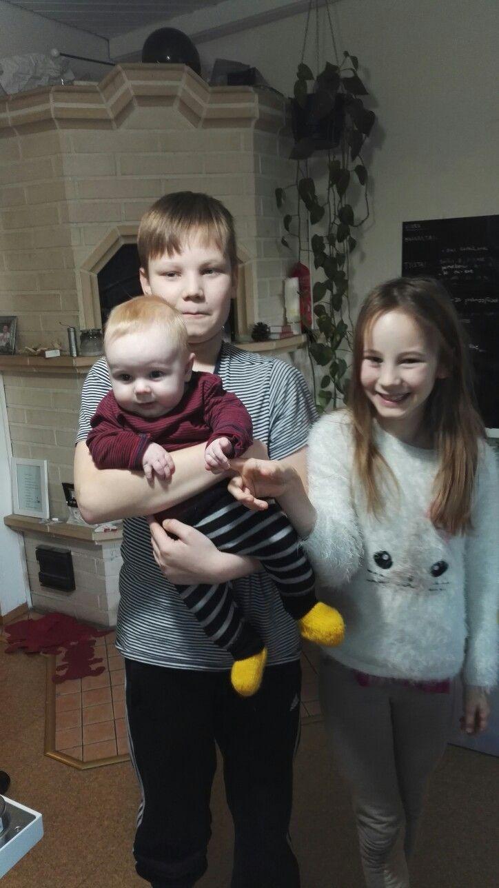 Lapset joulukuussa 2016.