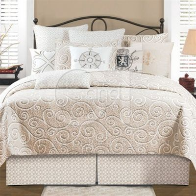 Montpellier Quilts White And Beige Quilts Amp Accessories
