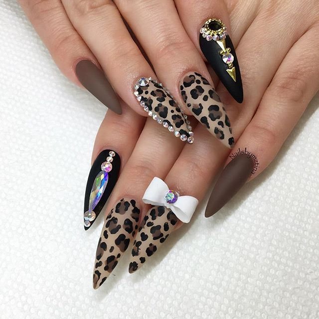 972 best gelnails and acrylic images on pinterest acrylics black animal print nail art design black and taupe swarovski bling prinsesfo Gallery