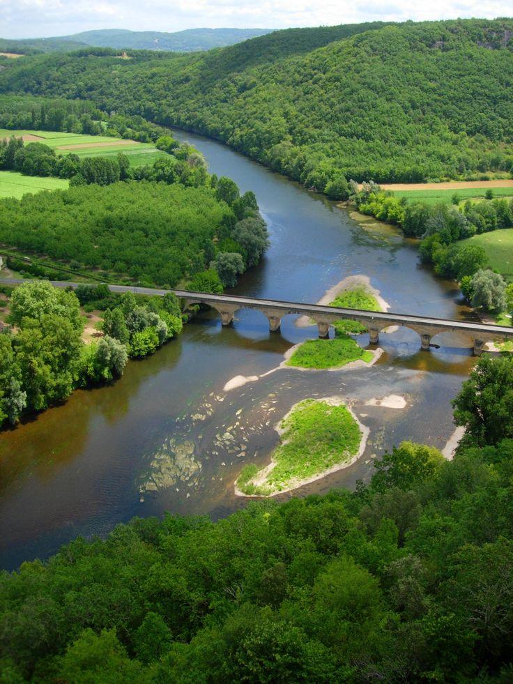 Classée pays d'art et d'histoire, la Vallée de la #Dordogne est l'une des plus belles vallées de Midi-Pyrénées.