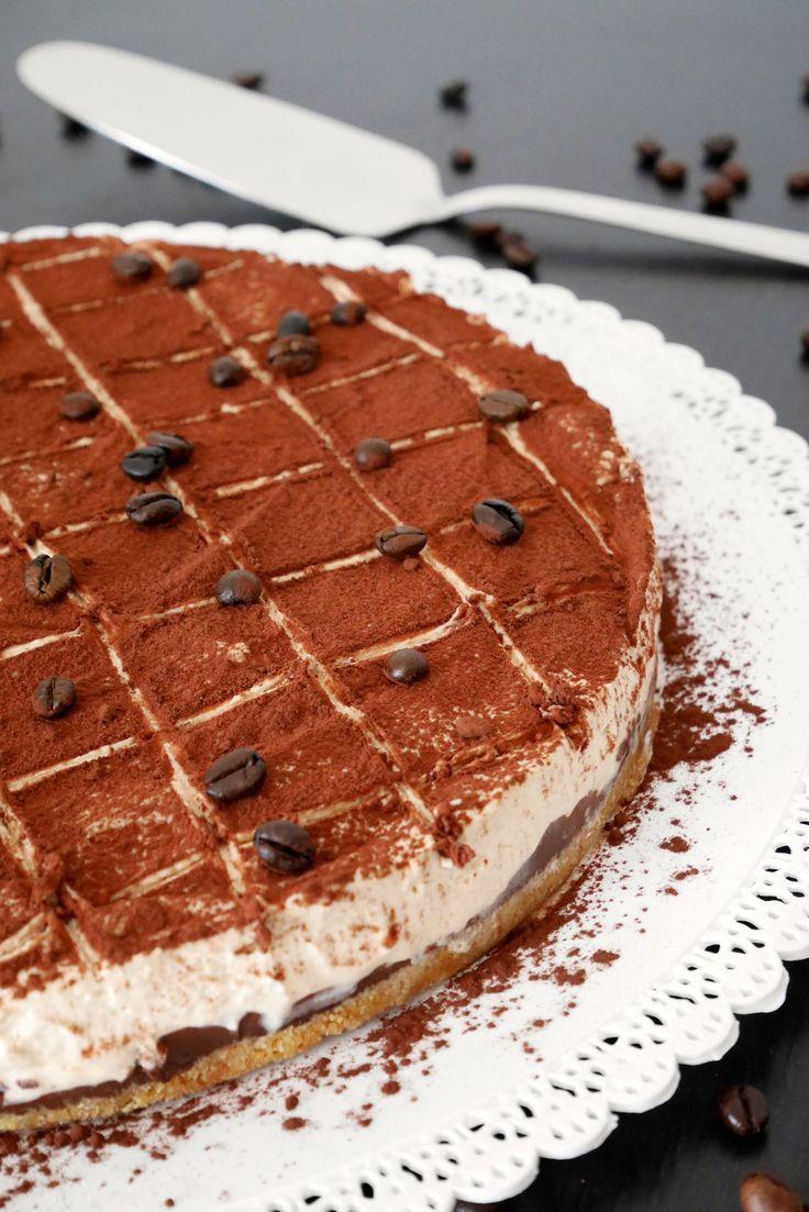 Cheesecake al caffè con cioccolato croccante