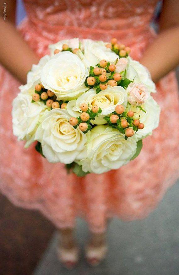 Buchet de Mireasa Elegant. Trandafiri albi. by JuliasRoseShop