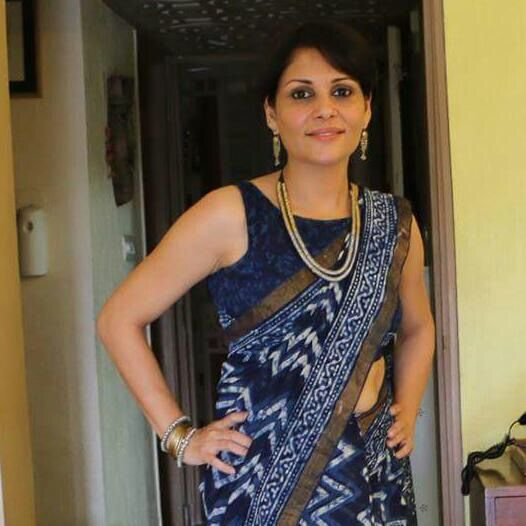 Our Customer Shaveta, working the daabu work indigo saree with the silver and gold tinted jewellery. #CustomerOfTheDay #HappyCustomer  #RockThisLookWithZoyashi #Saree #IndianLook #SilverJewellery