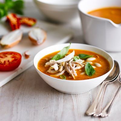 Roasted tomato, chicken and bean soup