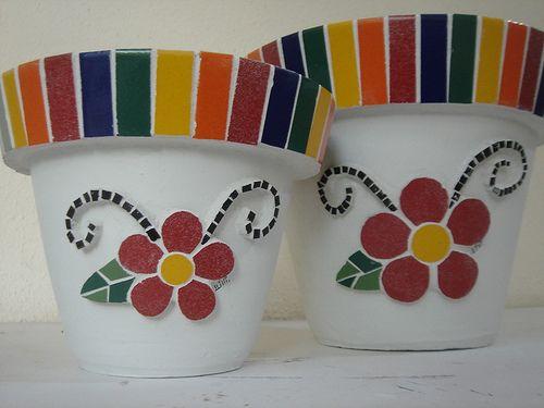 idea for mosaic, Par de vasos by Lili Mosaico & Artesanato, via Flickr