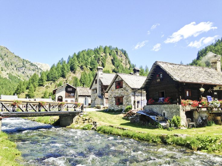 A summer's day hike at Alpe Devero