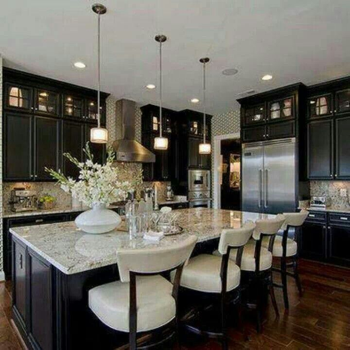 To do list: Update my top row of smaller solid cabinet doors to these! The lighting is gorgeous! P.S - I ♡ Black & White