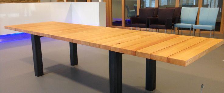 Qoqoo tafel, Oregon pine.