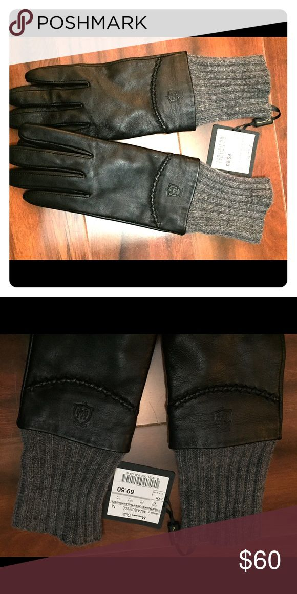 Sheep leather gloves Brand new, never worn Massimo Dutti gloves. Outer: sheeps leather. Interior: wool. They are black with grey wool trim. Super soft and not itchy! Massimo Dutti Accessories Gloves & Mittens