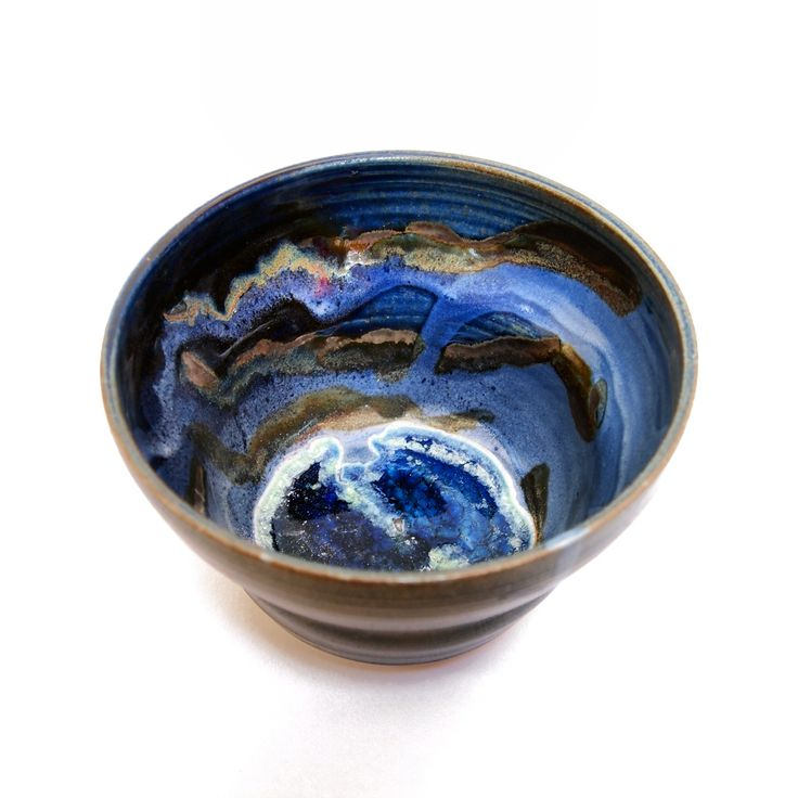 Thrown ceramic bowl. Stoneware. 2013. With recycled glass bottles and glaze.
