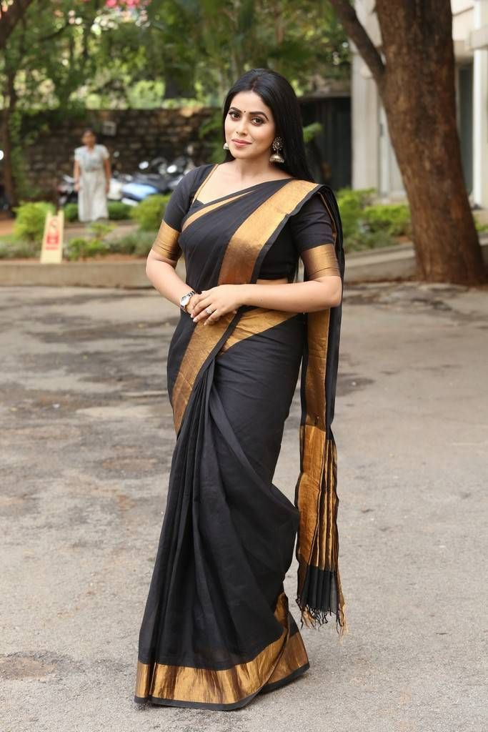 Beautiful Kannur Girl Poorna In Transparent Black Saree | act