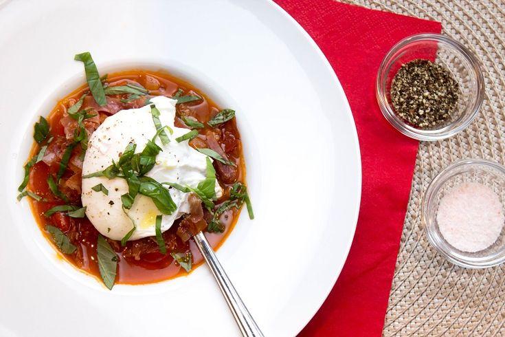 Middelhavssuppe med tomat, prosciutto di parma og posjert egg - FLF (1)