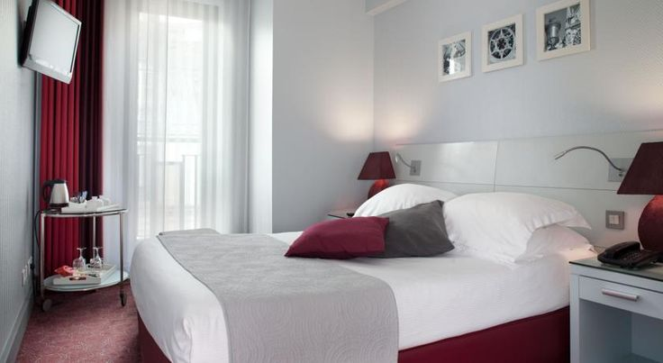 Paris Bastille Paris Set in the lively Bastille district, this contemporary hotel is located opposite the Opera House. It has a 24-hour reception and free Wi-Fi is provided in the stylish guest rooms.