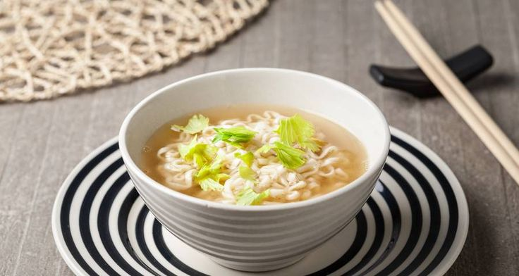 Noodles con zuppa di miso.  #Star #ricette #ricettedastar #food #recipes #yummy #foodporn #delicious #foodie #eat #foodgasm #foodpic #cookin #noodles #noodle #ramen #miso #zuppadimiso