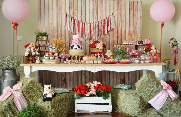 Primeiro aninho da Gabriela: Invento Festas cria decoração linda com o tema fazendinha
