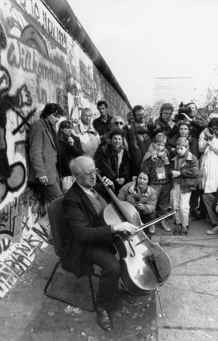 Mstislav Rostropovich - mur de Berlin