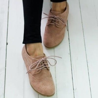oxford shoes for fall.  would love a pair, original or a little unique like this with the peek-a-boo. tan, cream, beige would be preferred colors.  FLATS (not high heeled)