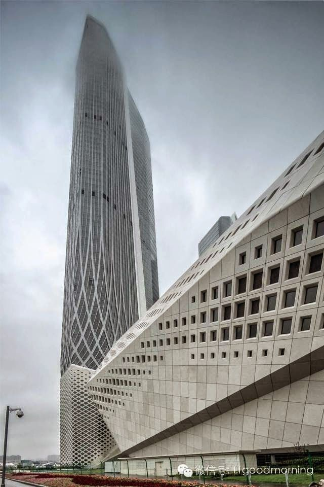 Les 47 meilleures images du tableau zaha hadid sur for Architecture futuriste