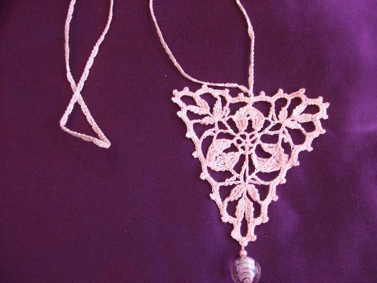collana  triangolo uncinetto, by maglieria magica, 11,90€ su misshobby.com
