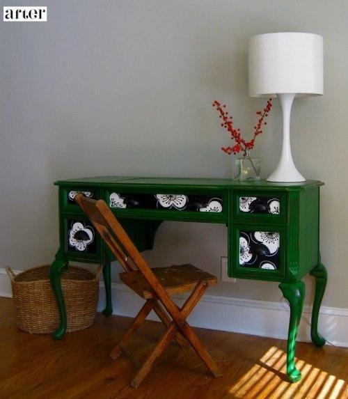 consola despues escritorio antiguo: Diy Ideas, Old Desks, Crafts Ideas, Dreams Houses, Emeralds Green Desks, Paintings Desks, Dressers Colors, Dressers Ideas, Bold Colors