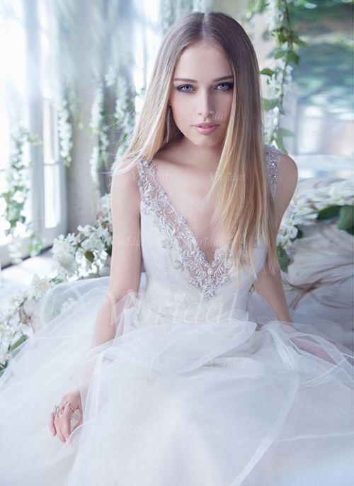 Forme Princesse Col V Traîne moyenne Tulle Robe de mariée avec Emperler Motifs appliqués Dentelle (0025056873) - Vbridal