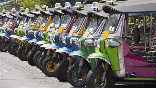 Colorful tuk-tuks in Asia #backpacking #colors #colorful #contrasts #asia #KILROY