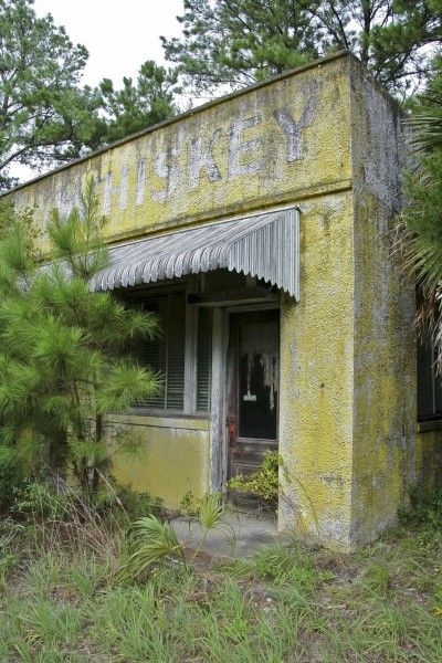 """Abandoned St. Mary's Liquors"" -- [US 17 - just south of the state line - *Yulee, Nassau County, Florida* This building is part of the (abandoned) Riverside Motel Establishment.]~[Photograph by notgruntled (Andy)]'h4d-226.2013'"