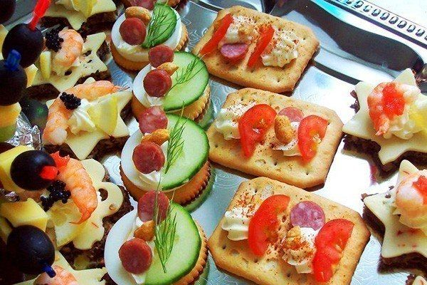 SNACK SANDWICHES WITH COD LIVER!
