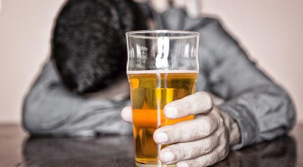 Cómo detectar el alcoholismo y cómo debe atenderse