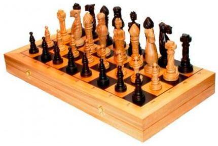 Arsstar Шахматы 'дубовые' (россия, дерево, 65х33х8см)  — 6499 руб.  —  Настольная игра шахматы «Дубовые» – это изысканный набор, который поможет вам скрасить обыденное времяпрепровождение, позволит устраивать домашние соревнования, вести турнирные таблицы и тренировать логическое мышление и смекалку.  Шахматы «Дубовые», сделаны из массива натурального дерева с использованием технологии выжега. Игровое поле, размером 65х65 см, в закрытом виде представляет собой эргономичный контейнер, внутри…