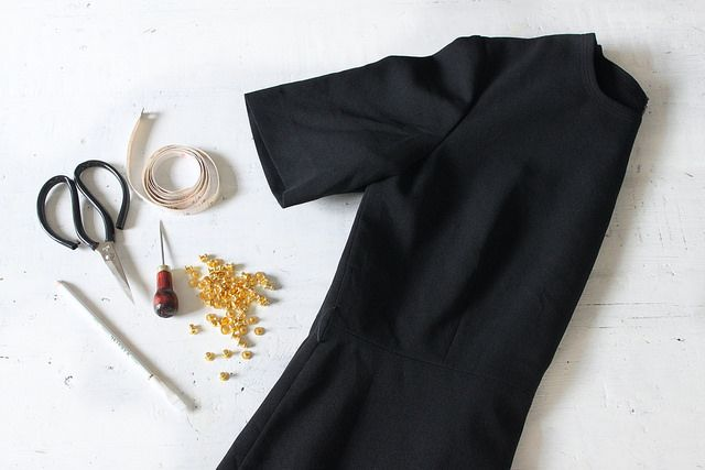 DIY little black studded dress (You need: a simple black dress, some button studs, scissors, dart awl) #blackdress #LBD #howtowear